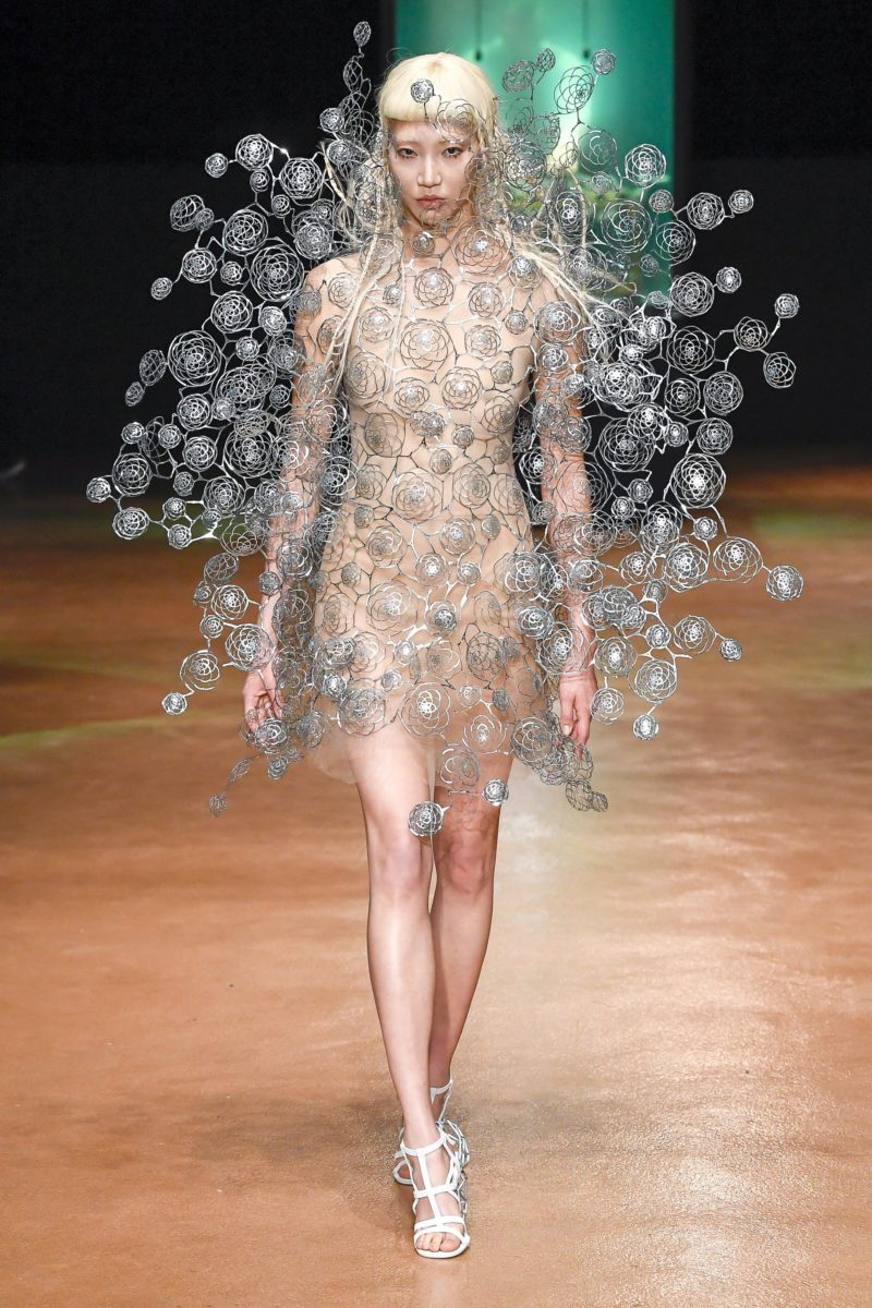 Iris Van Herpen Takes Over Paris With Avant Garde Styles Too Much Love Magazine